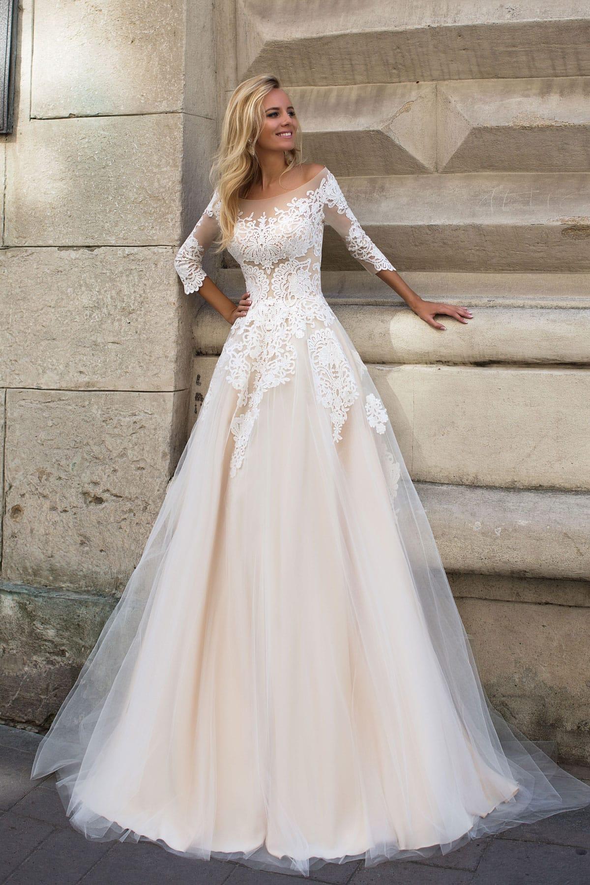 Свадебное платье Оксана Муха Althea купить в Киеве - салон Dress Me 4b42ea0f4eaa8