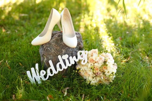 Пленительный образ: как выбрать летнее свадебное платье?