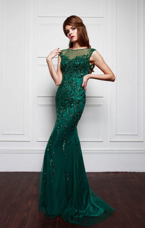 Ты шатенка или рыженькая? Какое вечернее платье тебе подойдет?